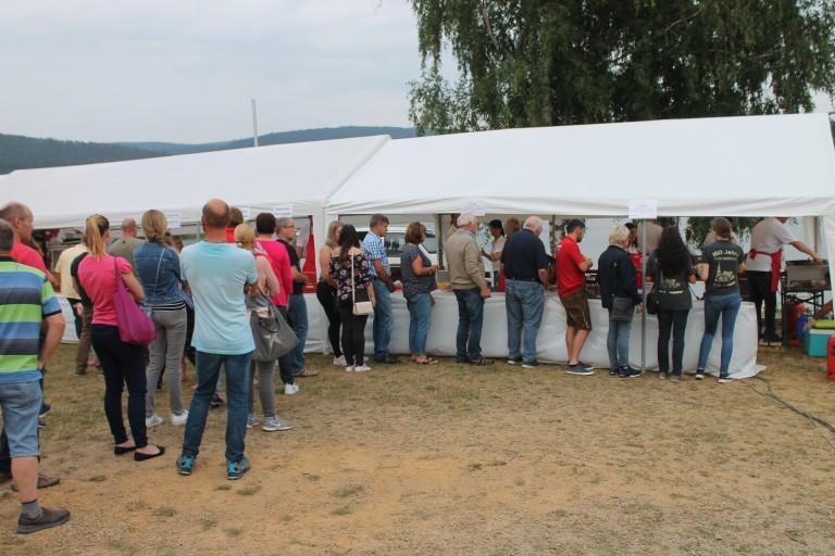 Besucherandrang Gyrosstand